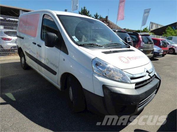 citro n jumpy furgon 1 6 hdi occasion prix 8 900 ann e d 39 immatriculation 2012 utilitaire. Black Bedroom Furniture Sets. Home Design Ideas