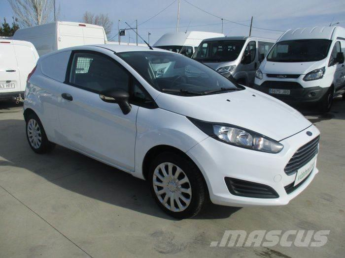 ford fiesta van 1 5tdci occasion prix 5 200 ann e d 39 immatriculation 2013 utilitaire ford. Black Bedroom Furniture Sets. Home Design Ideas