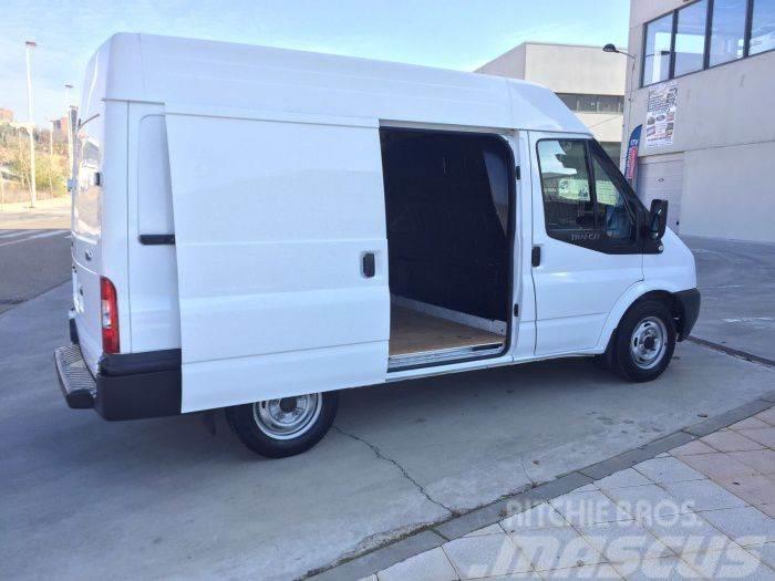 Ford Transit FT 300M Van 100