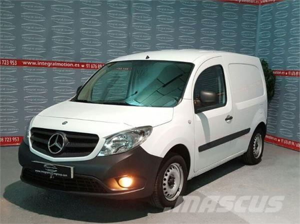 mercedes benz citan 108 cdi occasion prix 8 000 ann e d 39 immatriculation 2013 utilitaire. Black Bedroom Furniture Sets. Home Design Ideas