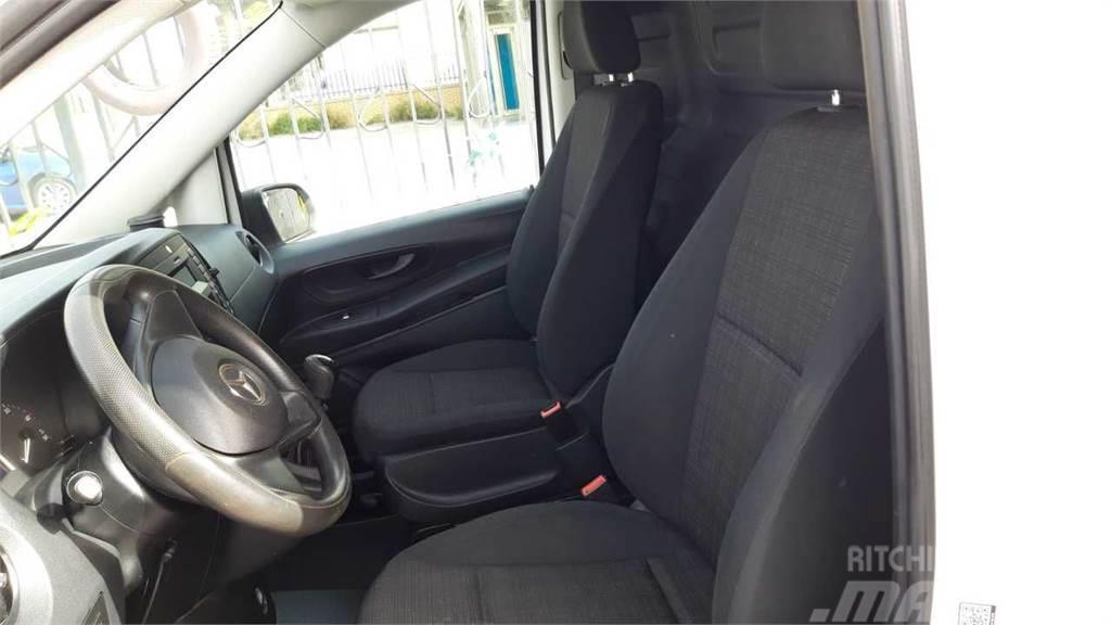 Mercedes-Benz Vito Furgón 111CDI Compacta