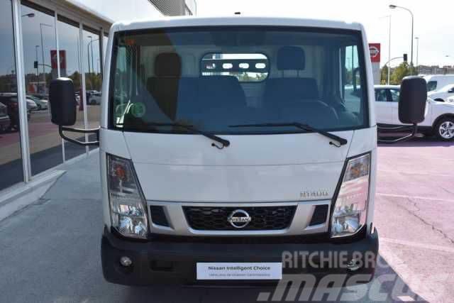 Nissan NT400 Cabina Abatible 35.13/3 C.Ab. Alu. Básico