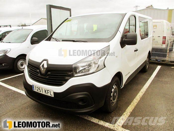 used renault trafic passenger combi 9 energy dci 125 tt e6. Black Bedroom Furniture Sets. Home Design Ideas