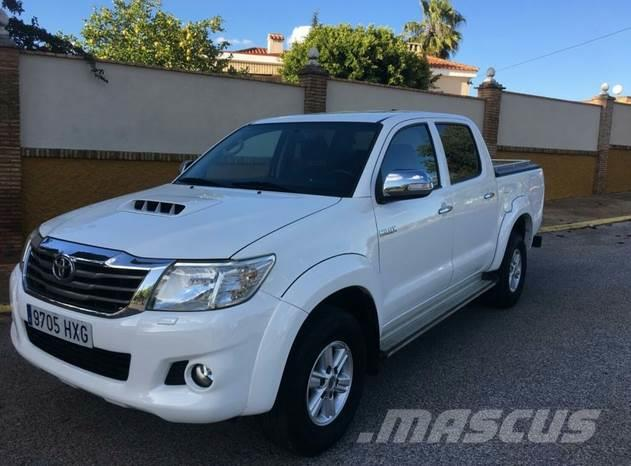 Toyota Hilux 2.5D-4D Cabina Doble GX 4x4