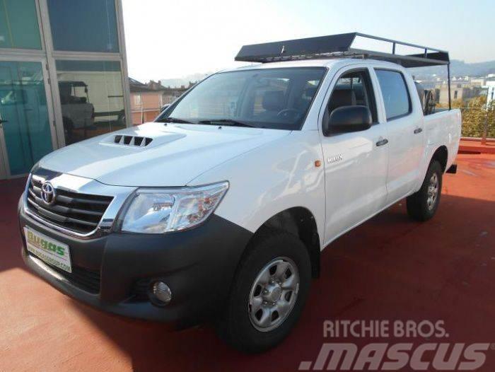 Toyota Hilux 4 WD 4X4 2.5 D 145 CV 5 PLAZAS MOTOBOMBA