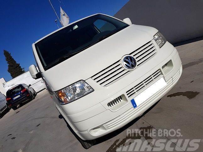 Volkswagen Transporter Kombi 1.9TDI 102