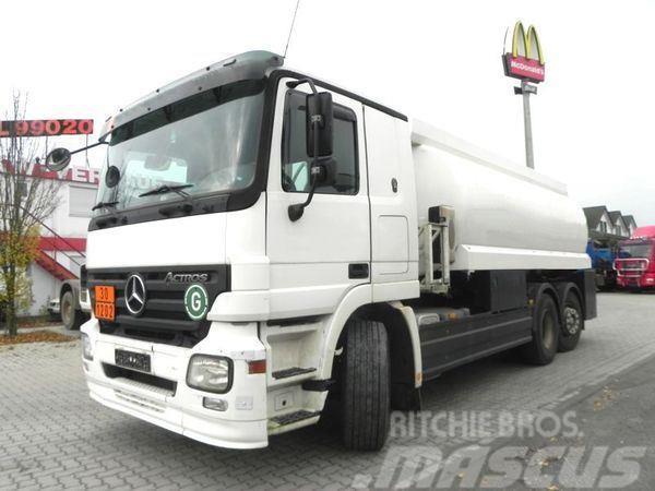 Mercedes-Benz 2541 (E3) 6x2 Tankwagen A3 Willig Oben+Untenbefüll