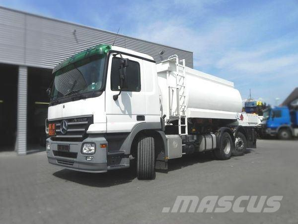 Used mercedes benz 2546 e5 6x2 tankwagen a1 a3 willig for Mercedes benz a1 service price
