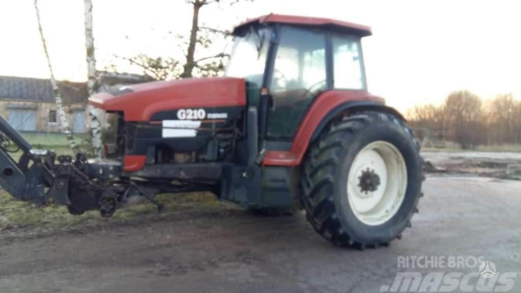 New Holland 8770/G210