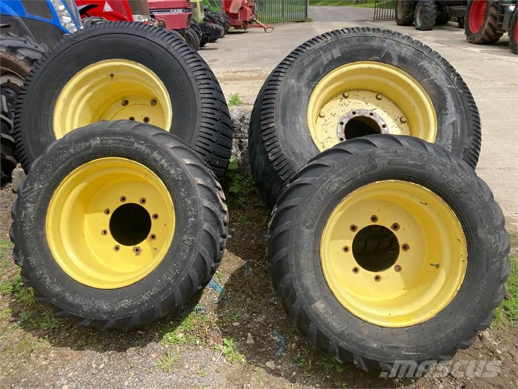 John Deere Grass wheels and tyres