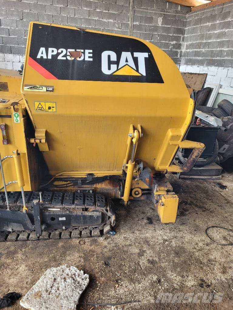 Caterpillar AP 255 E