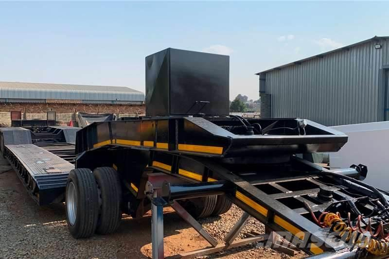 [Other] Martin TRI AXLE LOWBED
