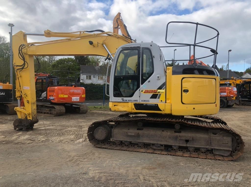 New Holland Kobelco E225 B SR