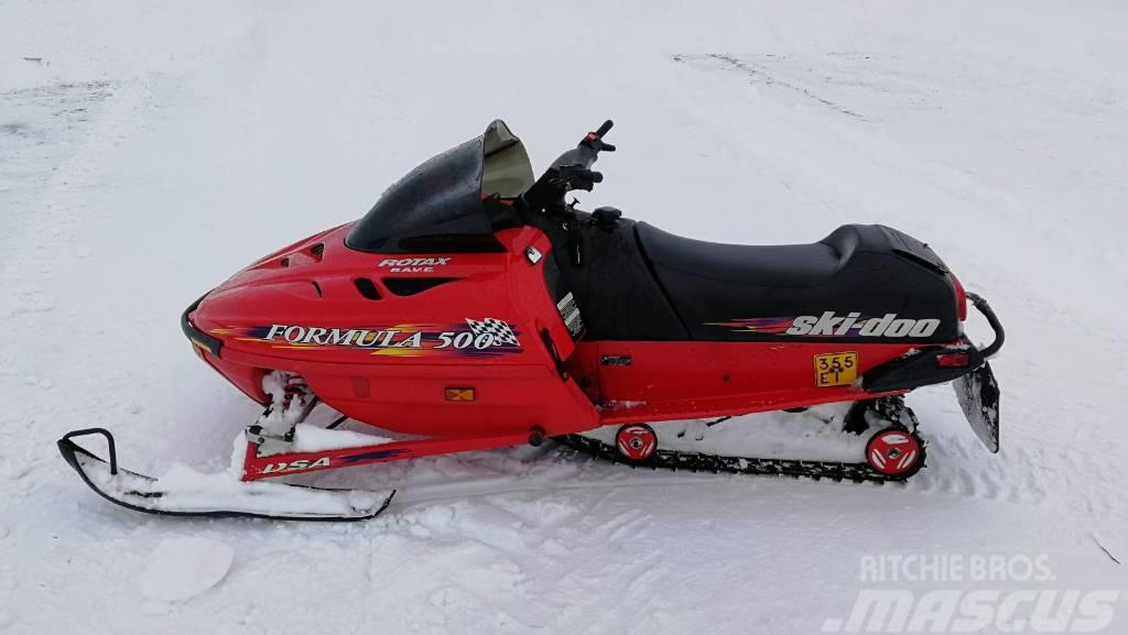 Ski-doo Formula 500 Rave HIENO KELKKA