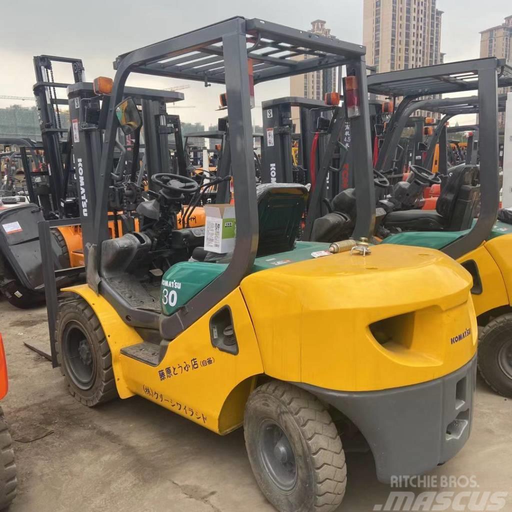 Komatsu 3 TONS Forklift