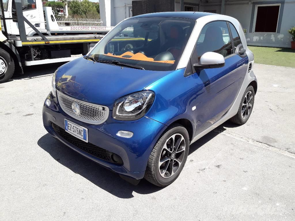 smart fortwo 3 s occasion prix 7 800 ann e d 39 immatriculation 2015 voiture smart fortwo. Black Bedroom Furniture Sets. Home Design Ideas