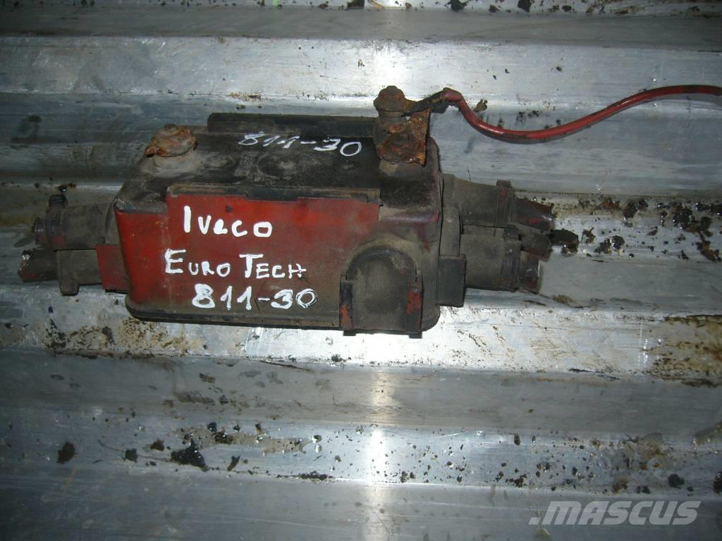Iveco EuroTech dispenser box
