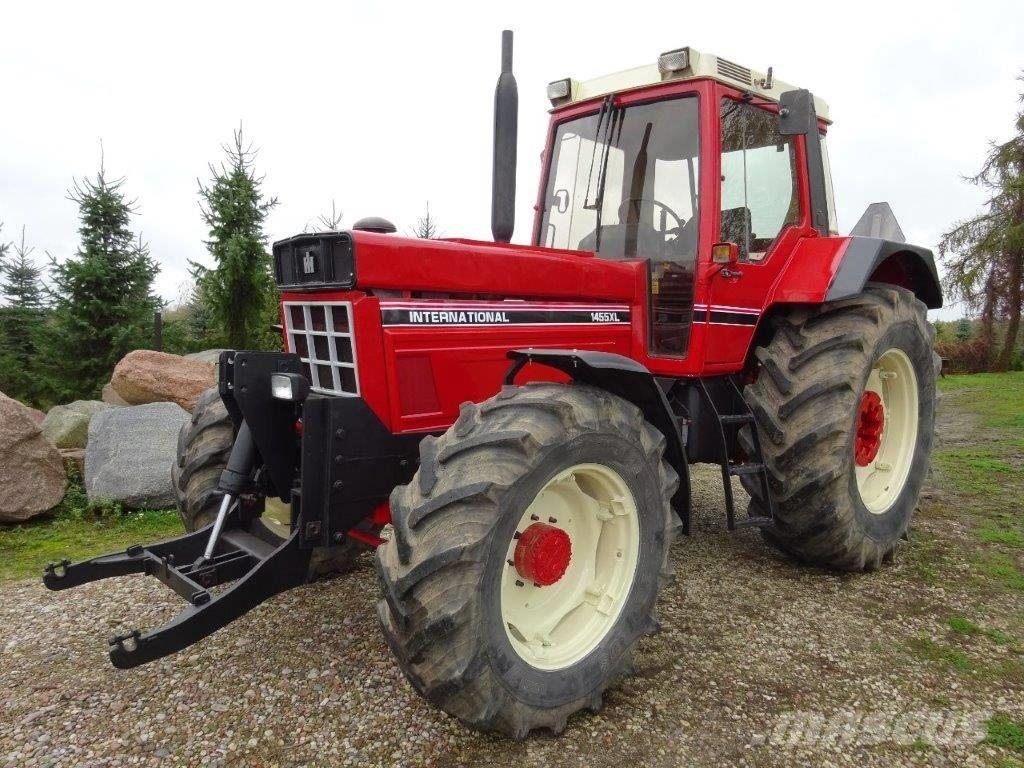 Case IH International 1455