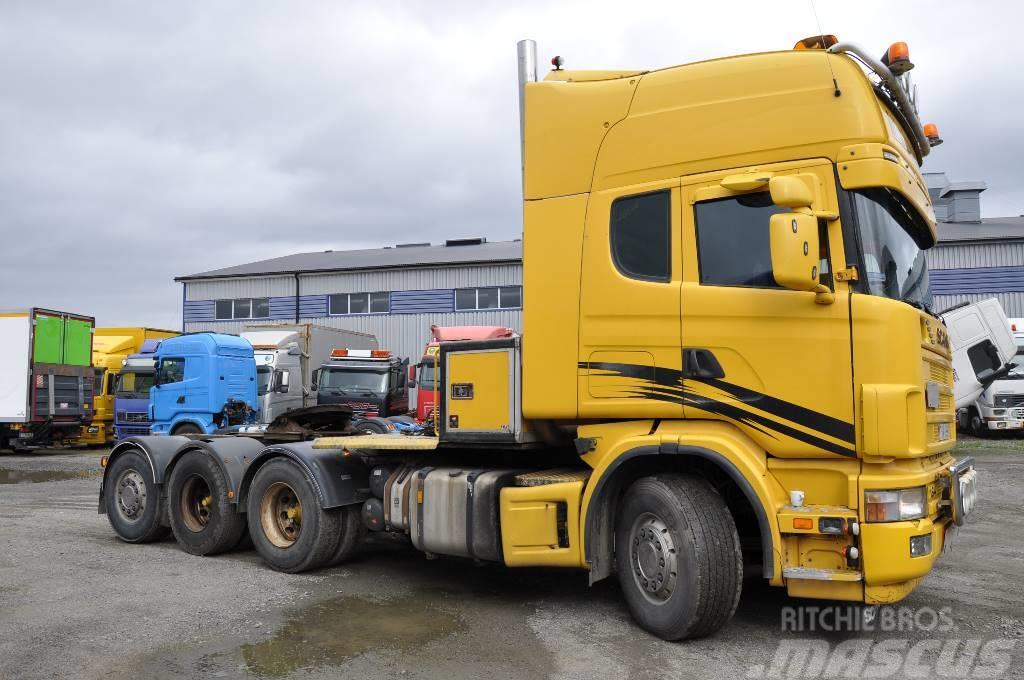 Scania 164  8X4 580