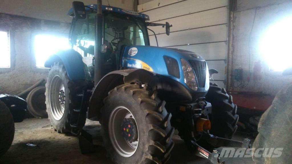 New Holland T 7040 damaged gearbox