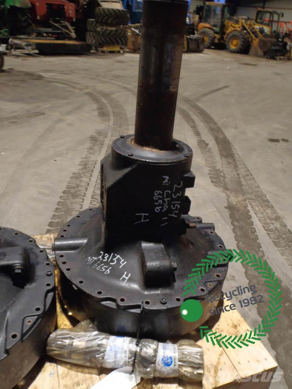 Challenger MT665B Rear Axle