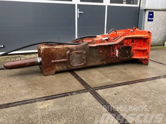 NPK GH-12 | 2695KG | 24 ~ 38 ton | 2010 | Hammer
