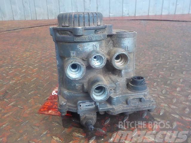 Mercedes-Benz Actros MPIII Trailer control valve 4319413 4802040