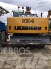 Liebherr A 904