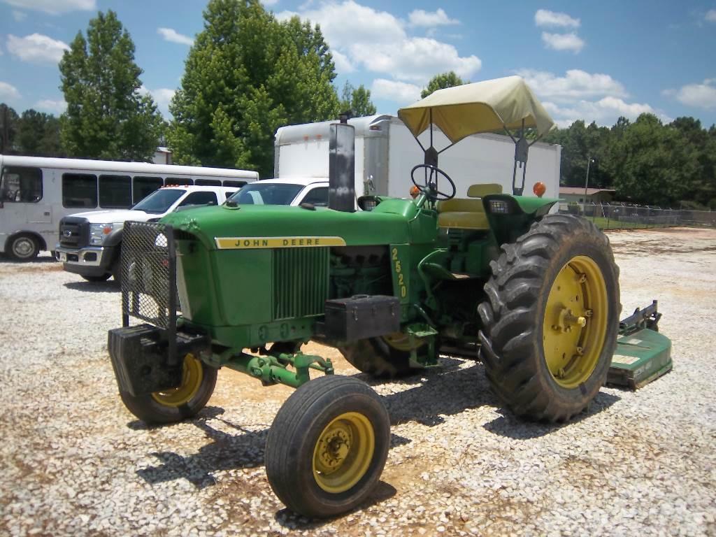 John Deere farm tractor 2520