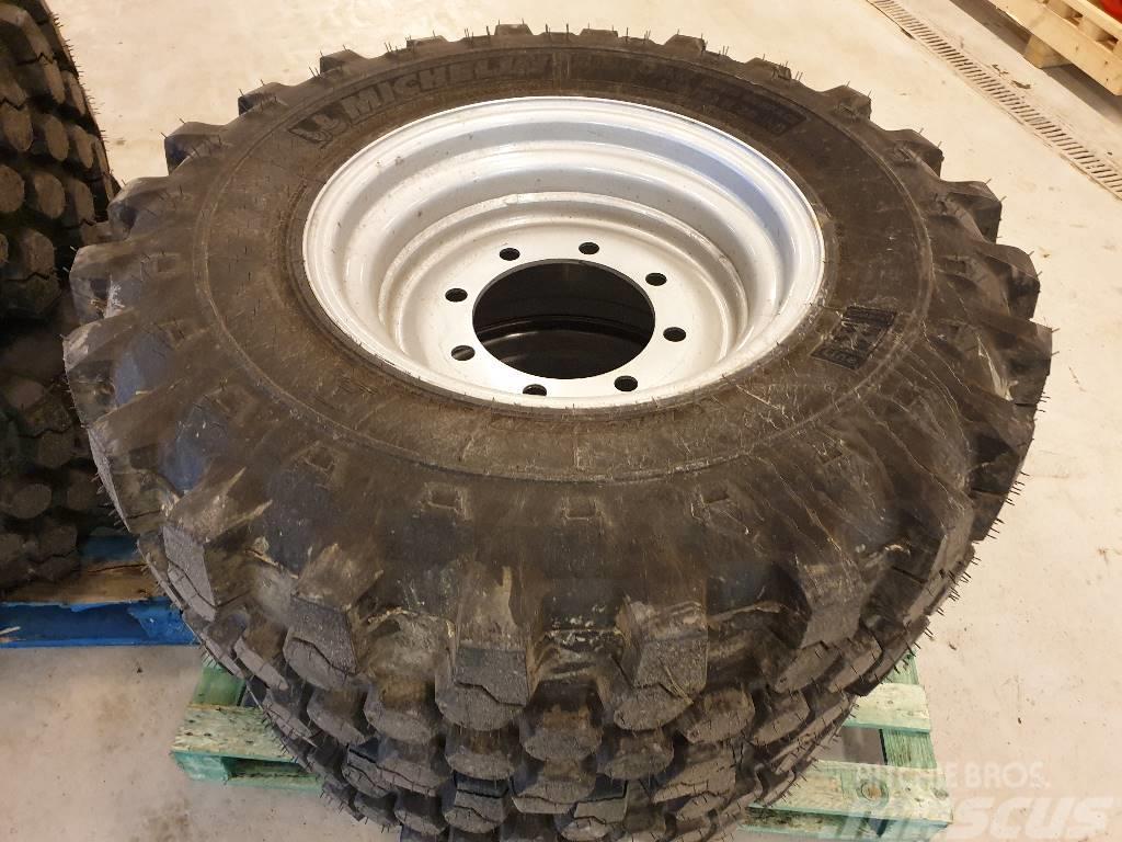 Michelin 400/70X20