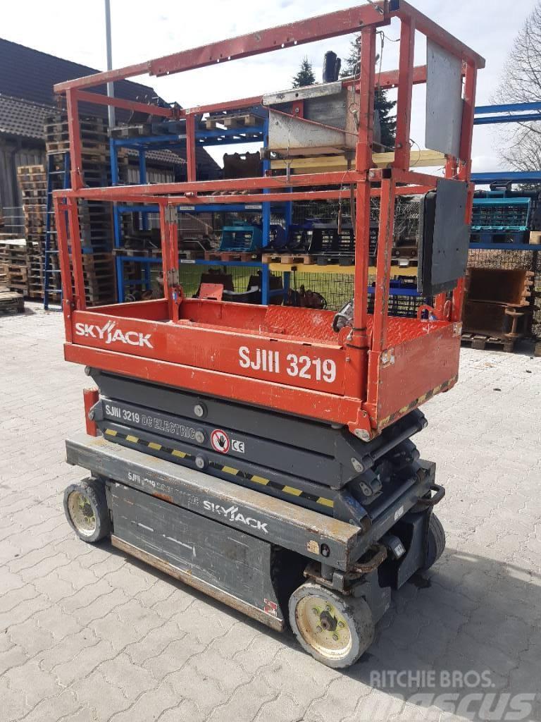 SkyJack SJ 3219