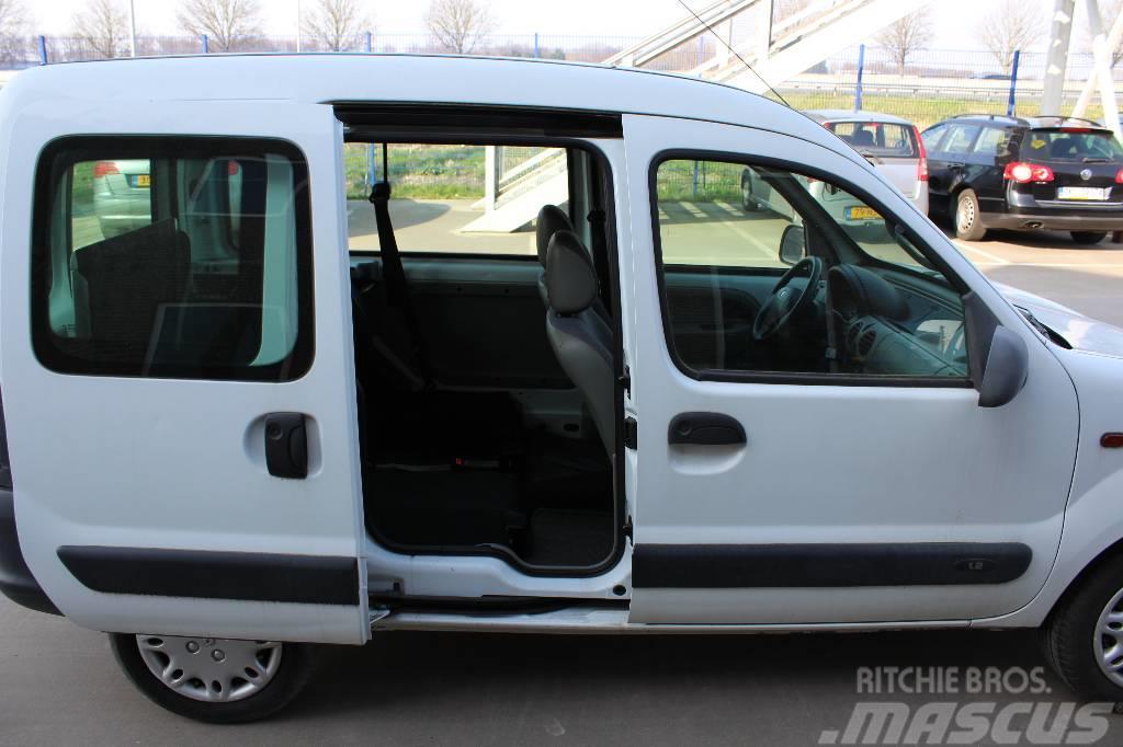 used renault kangoo invalide vervoer cars year 2002. Black Bedroom Furniture Sets. Home Design Ideas