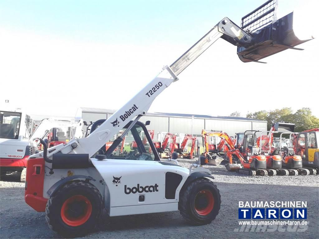 Bobcat T2250 (wie T2566 630 TH255 2505)