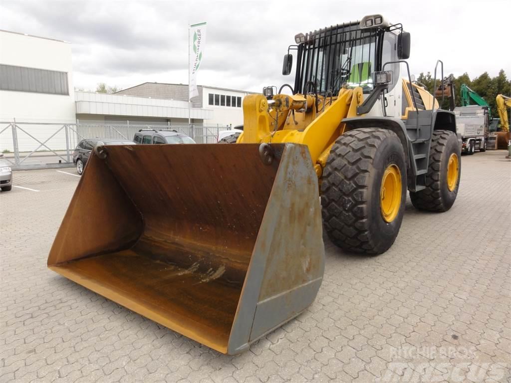 Liebherr L566 2plus2