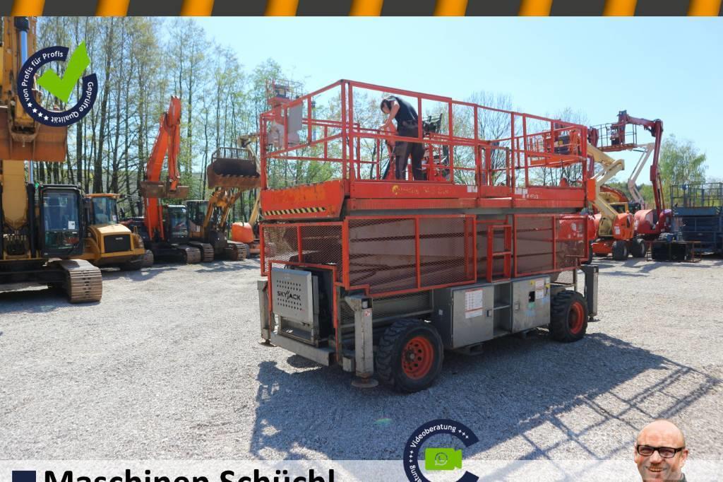 SkyJack SJ9250 Scherenhebebühne 17m Allrad