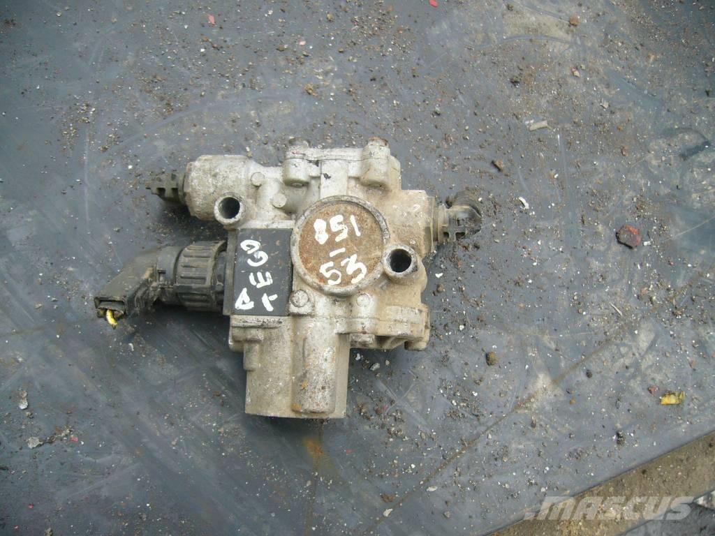 Mercedes-Benz ATEGO 1823 ABS magnetic valve