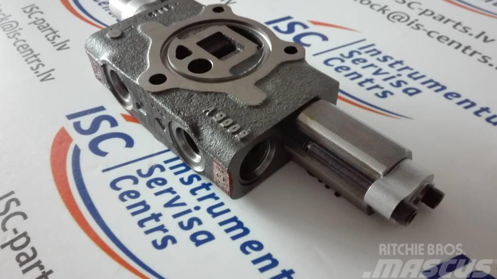 Bobcat 6665453, valve section