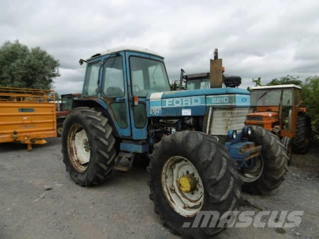Ford / New Holland 8210