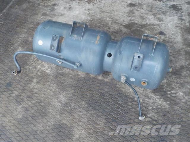 DAF XF105 Air reservoir 1687407