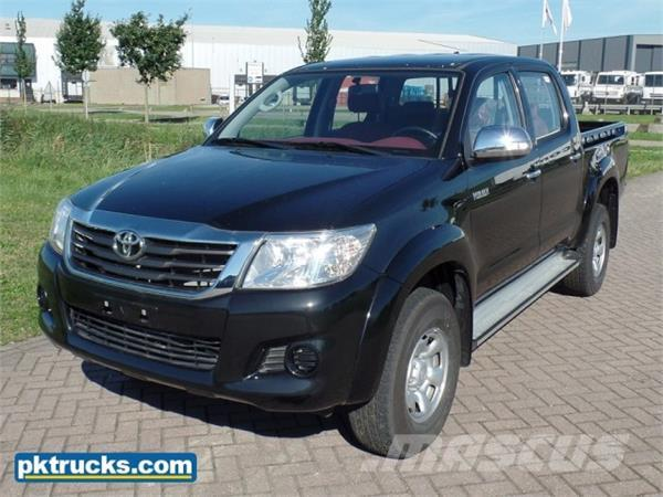 toyota hilux dlx occasion prix 24 500 ann e d 39 immatriculation 2016 voiture toyota hilux. Black Bedroom Furniture Sets. Home Design Ideas