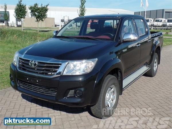 Toyota Hilux DLX