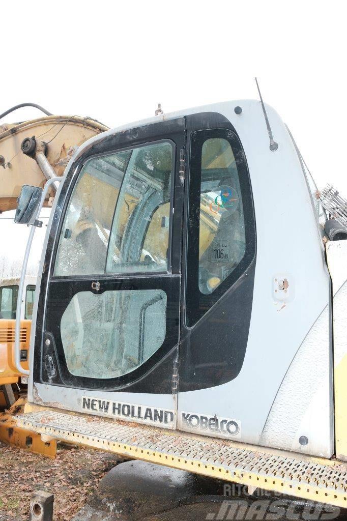 New Holland E 485 kabina