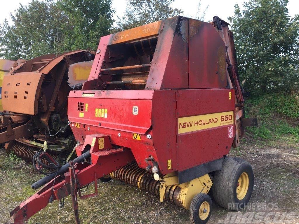 New Holland 650 Balle Comander Brandskadet sælges som dele/par