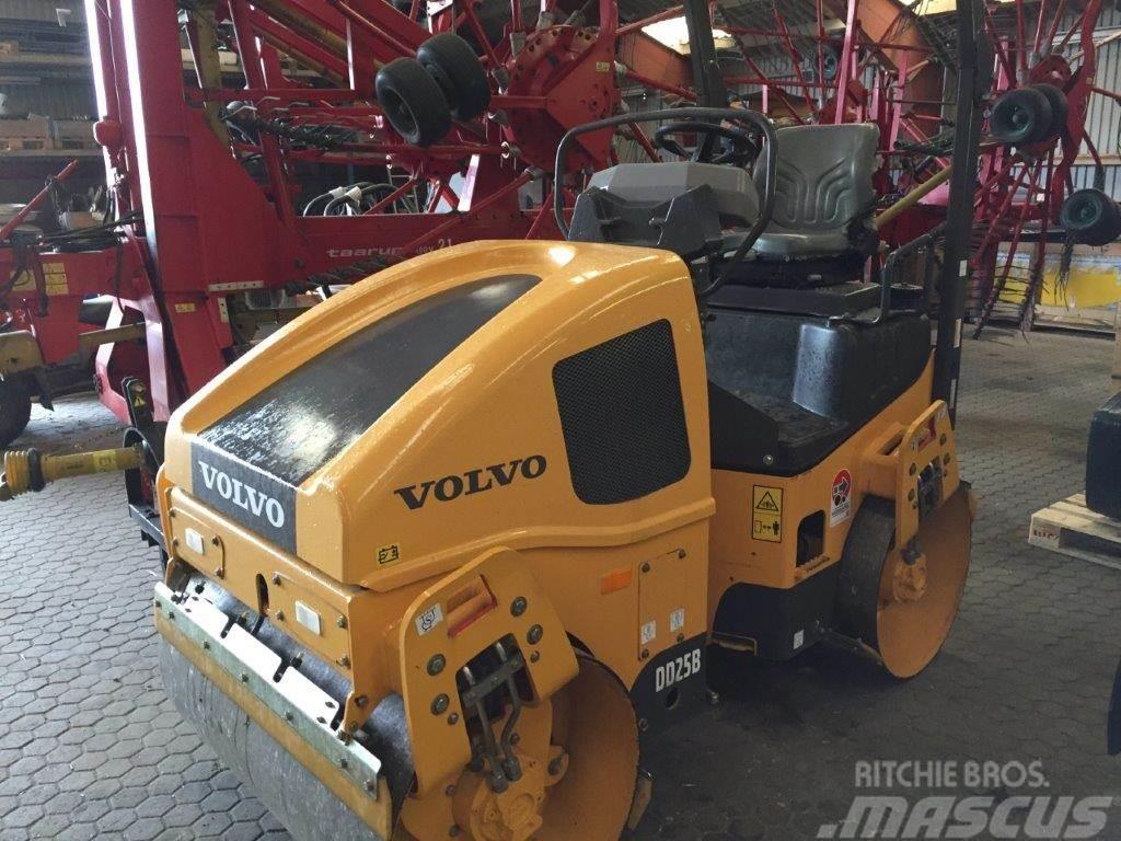 Volvo DD25B tromle 2600 kg. --- som ny ---