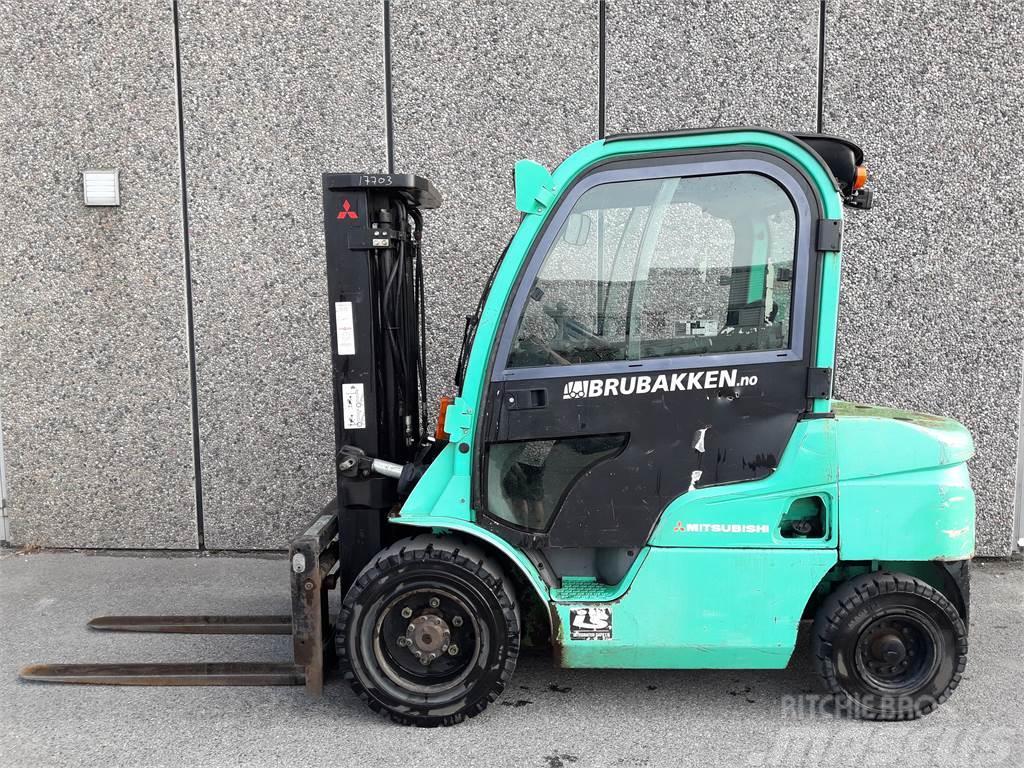 Mitsubishi FD30N