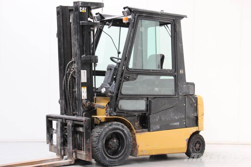 Caterpillar EP30K PAC