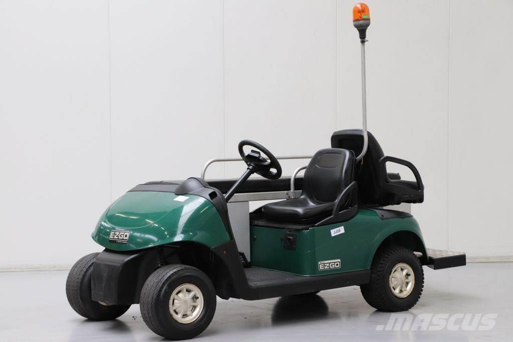 E-Z-GO RXV Ambulance