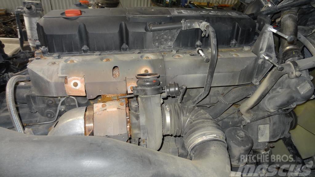 DAF DAF XF105.460 MX340S2 engine