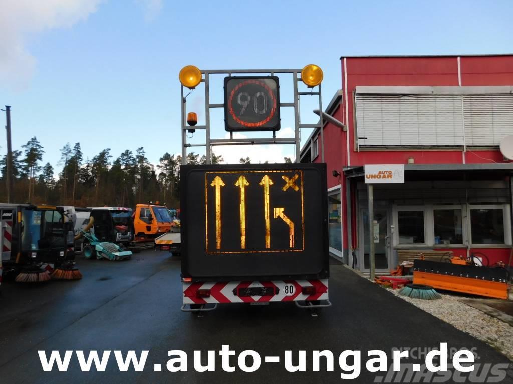 Nissen A2LEd-02-120 Verkehrsleittafel Warnleitanhänger