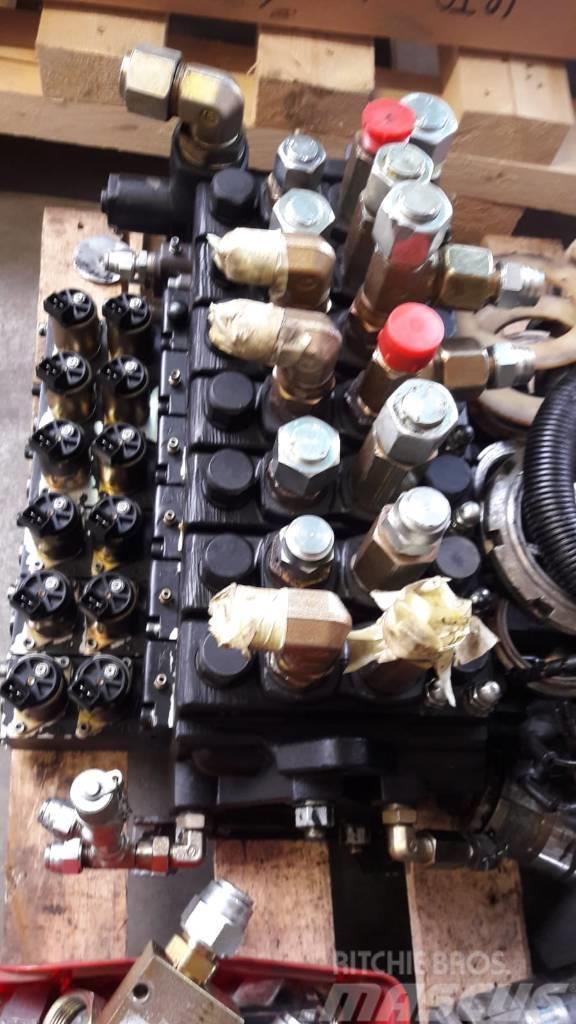 [Other] ohn Deere 1470D Parker K170LS valve block 1470D
